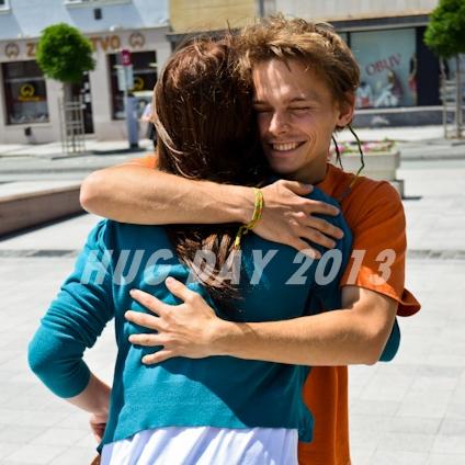 Skvelá správa letí svetom: Hug Day už v 15 mestách!
