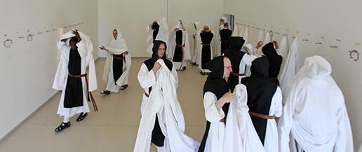 Novy dvur, kláštor, mnisi, cisterciani