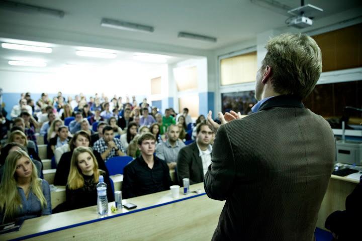 Aktuálne ponuky pre študentov: Brigády aj dobrovoľnícke aktivity